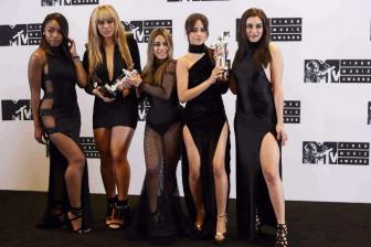 深情演唱,五美Fifth Harmony现场献唱热单