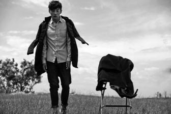 """李荣浩新专辑《嗯》上线,从""""有理想""""的青年唱到""""嗯嗯嗯""""的少年"""