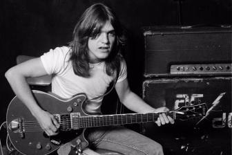 AC/DC前吉他手Malcolm Young今日去世,又一颗伟大的摇滚巨星陨落
